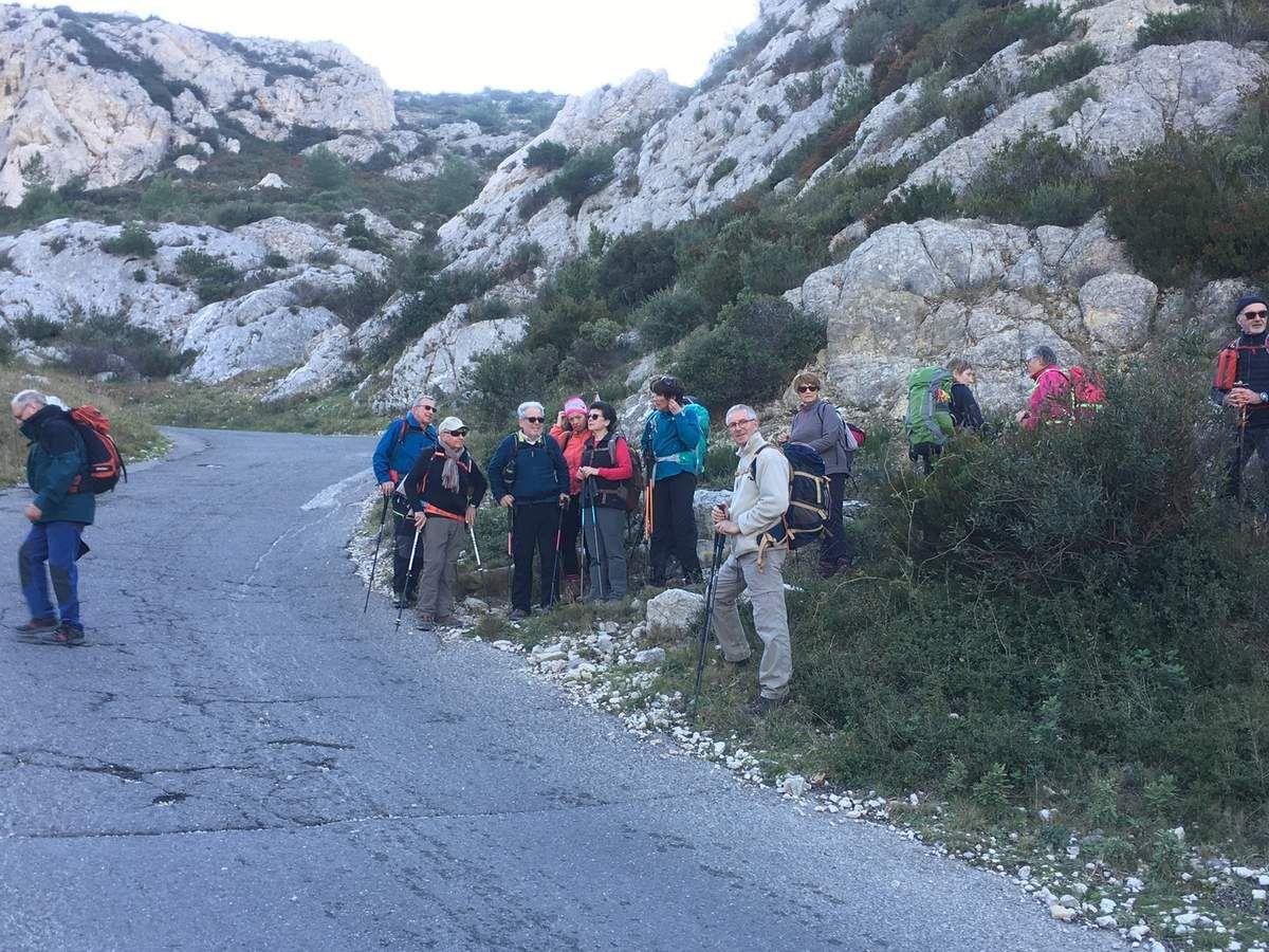 Titou Ninou malgré tout sous un beau soleil . Merci à Daniel et Jean-Pierre pour cette superbe randonnée !