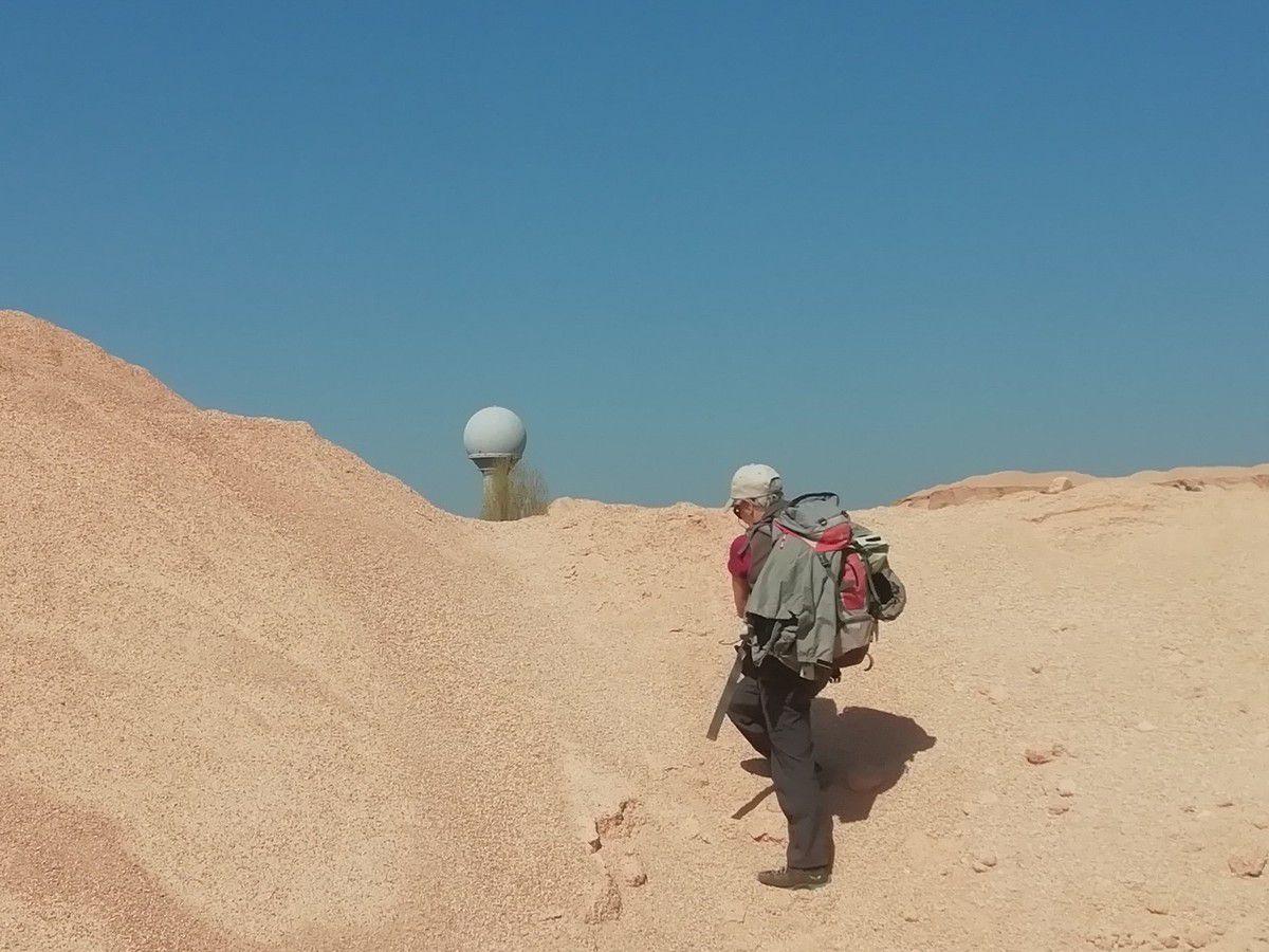 Des paysages surprenants, des effets d'optiques, peu d'ombre, des falaises, des plaines, et même de l'eau. Tout cela avec une pente moyenne inférieure à 1% et une douzaine d'irréductible !!!