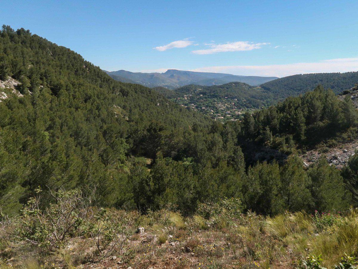 Belle randonnée faite par beau temps donc avec un panorama magnifique . Merci Jean Paul