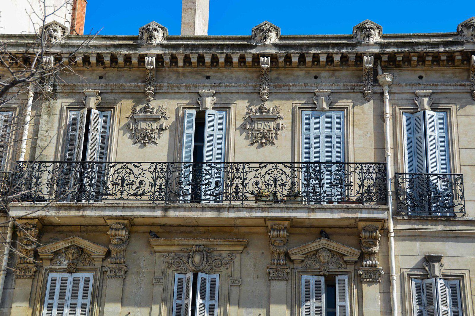 Marseille est sale , bruyante, embouteillée mais très belle quand elle est bien contée! Merci Daniel