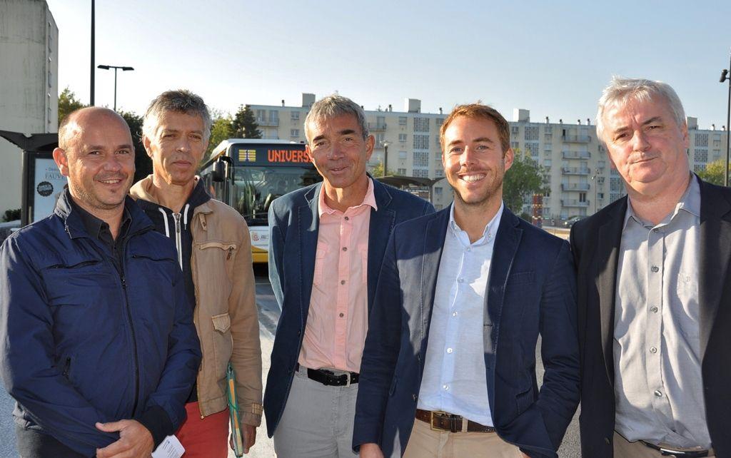 Les élus et les techniciens aujourd'hui sur le chantier du Bd de Bretagne à Penhars