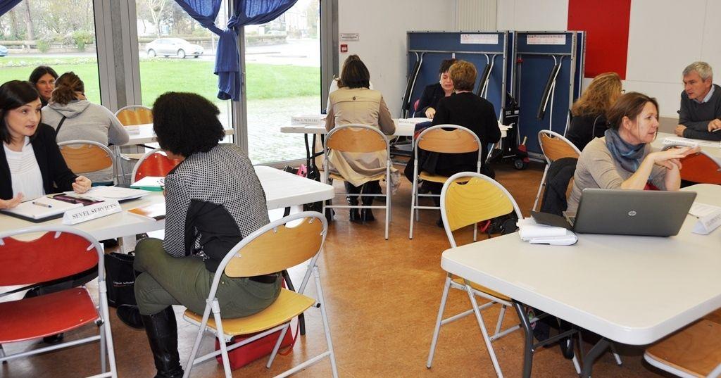Café de l'emploi pour des échanges avec des employeurs