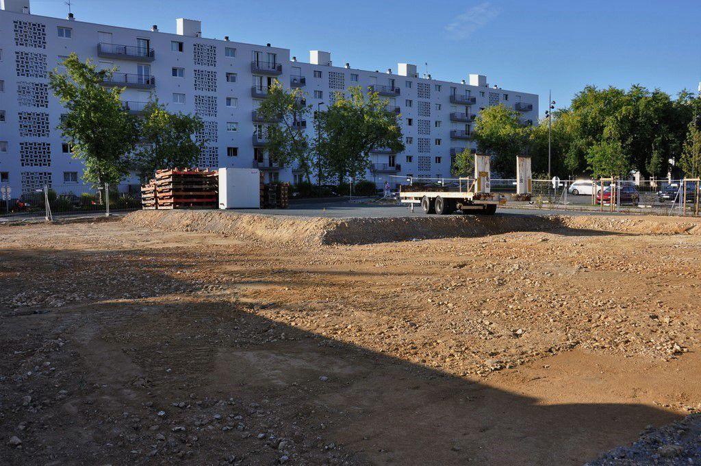Le site du chantier, à l'angle des boulevards de Bretagne et de Provence, là où était placé le vieux Shopi