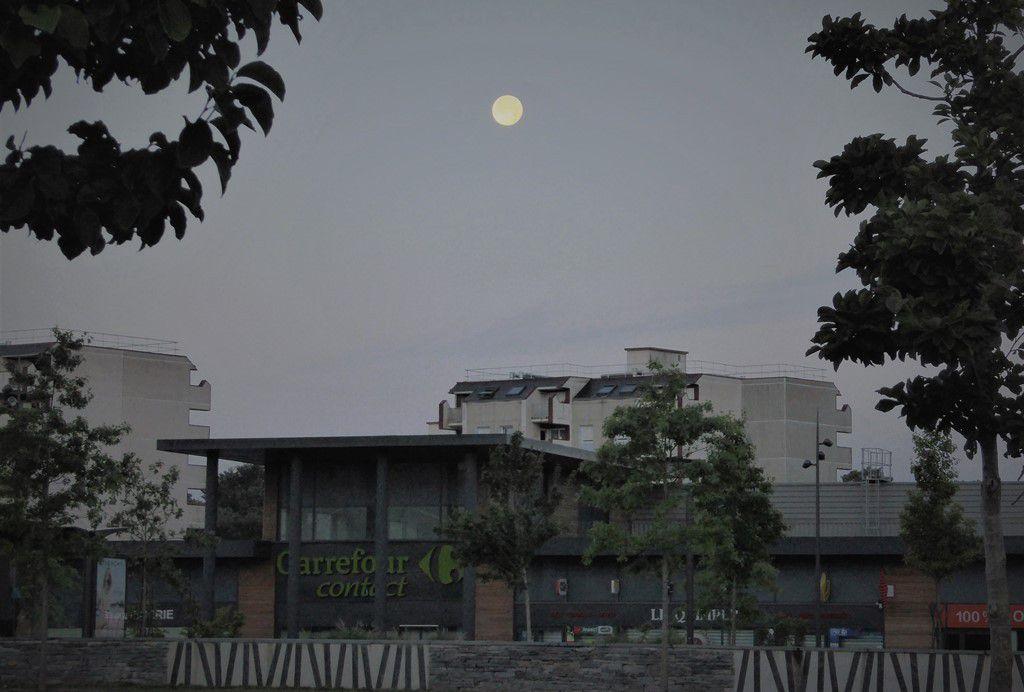 La pleine lune à Kermoysan lundi dernier