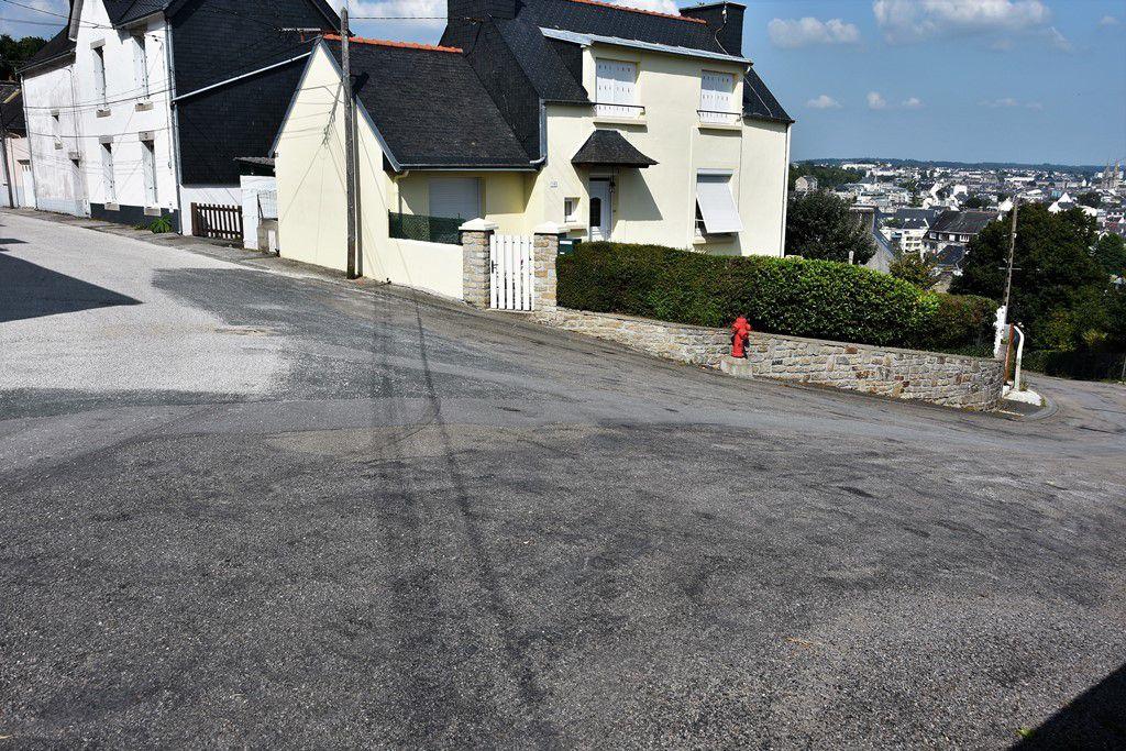 Le passage par la rue Les Trois Frères Le Guennec