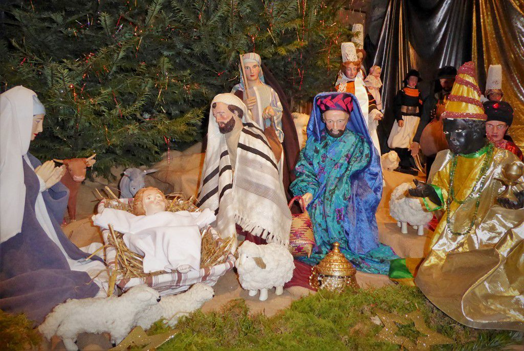 Dernière visite à la crèche de Noël : à Pont-l'Abbé