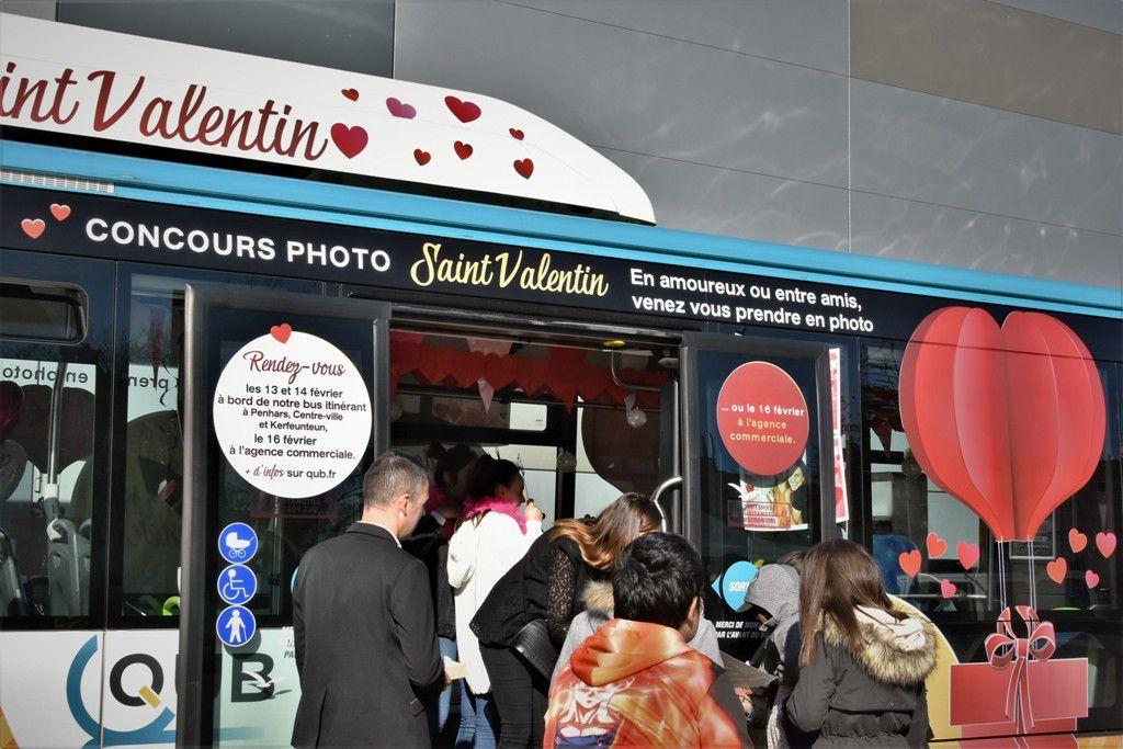 Et photo pour vous dans le bus de la Saint-Valentin