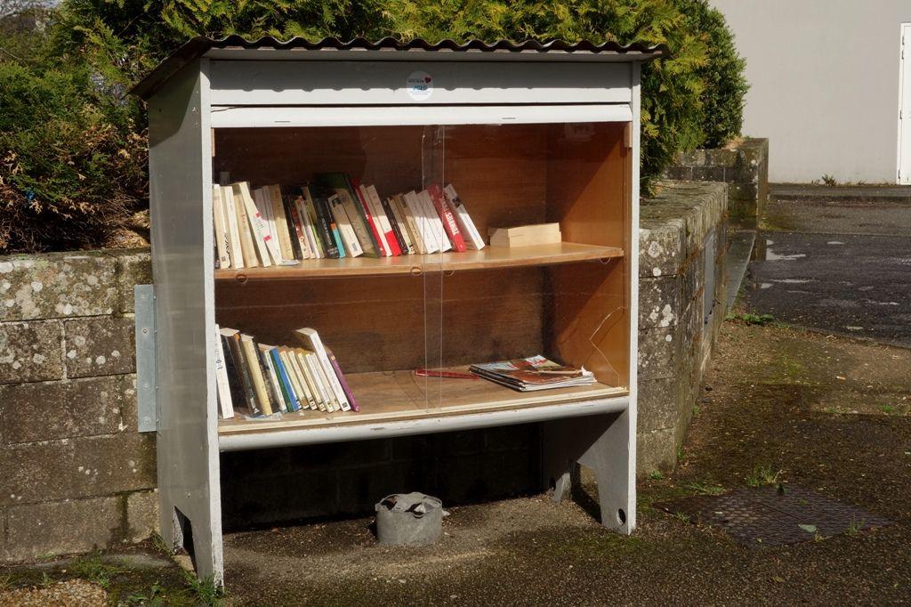 Vous avez le choix, de nouveau, dans la boite à livres du bourg de Penhars