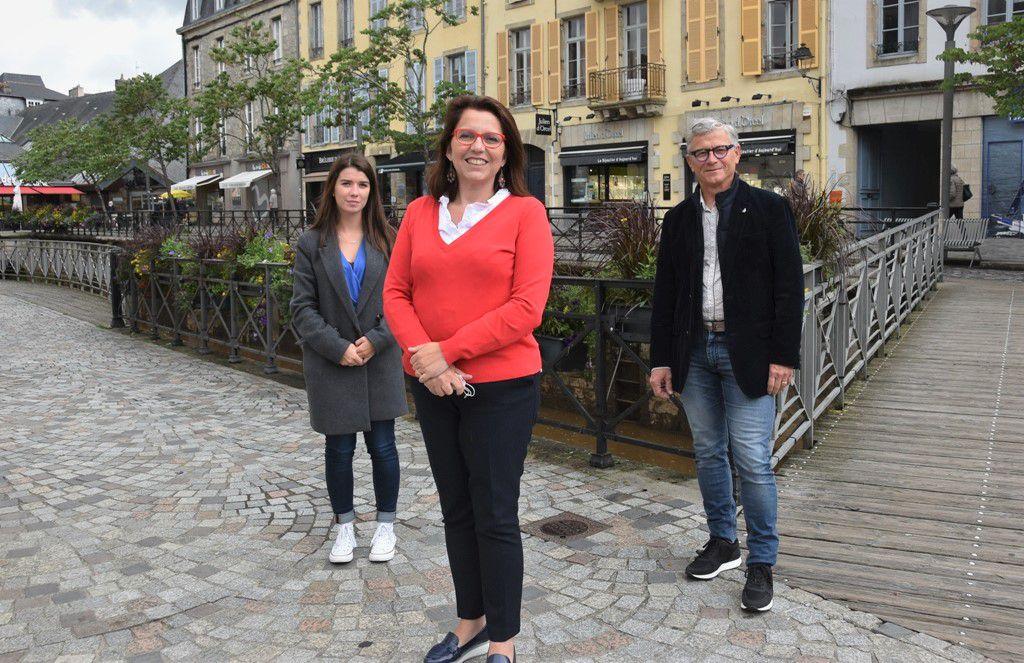 Annaïg Le Meur au centre, Zoé Le Duff et Laurent Bernard