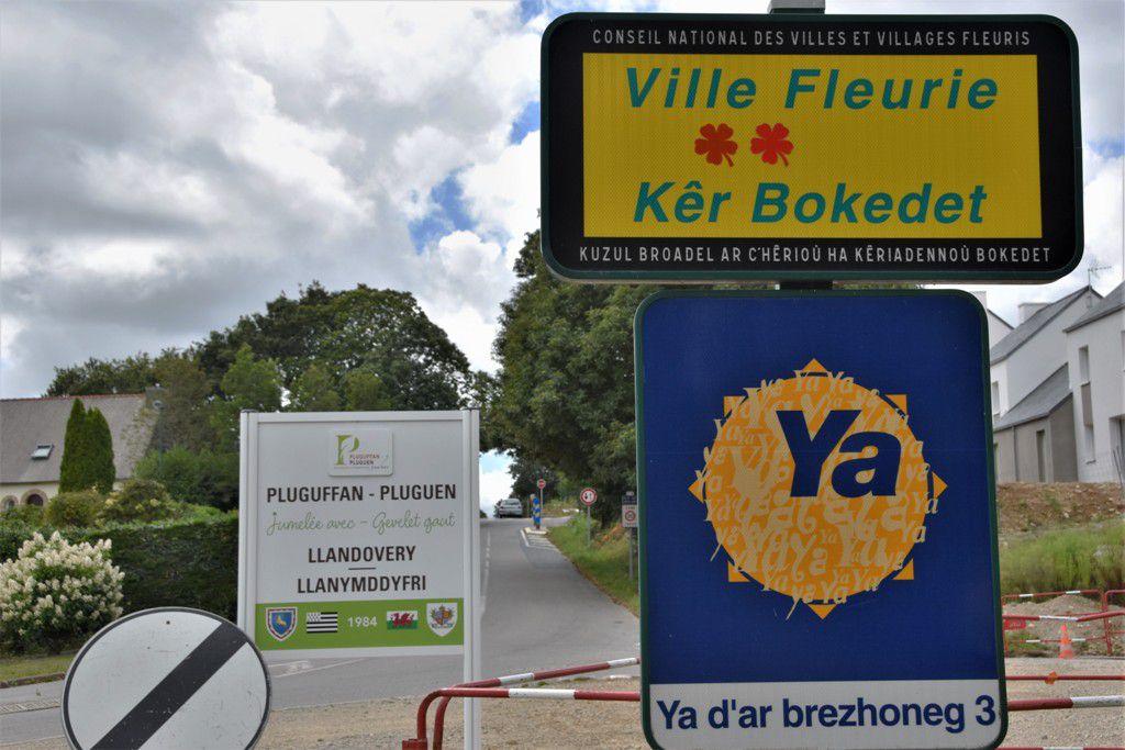 Petite leçon de vocabulaire français/breton (2) dans les rues de Pluguffan/Pluguen