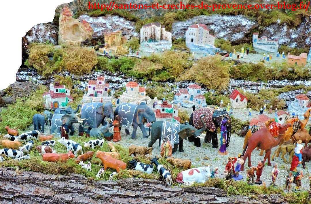 Très belle caravane des Rois Mages qui se sont mis en route avec les éléphants et les chameaux