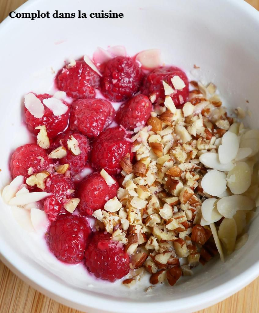 Smoothie bowl aux framboises – Simple et gourmand