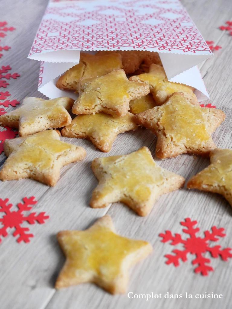 Etoiles de Noël gingembre et cannelle / Cadeau gourmand