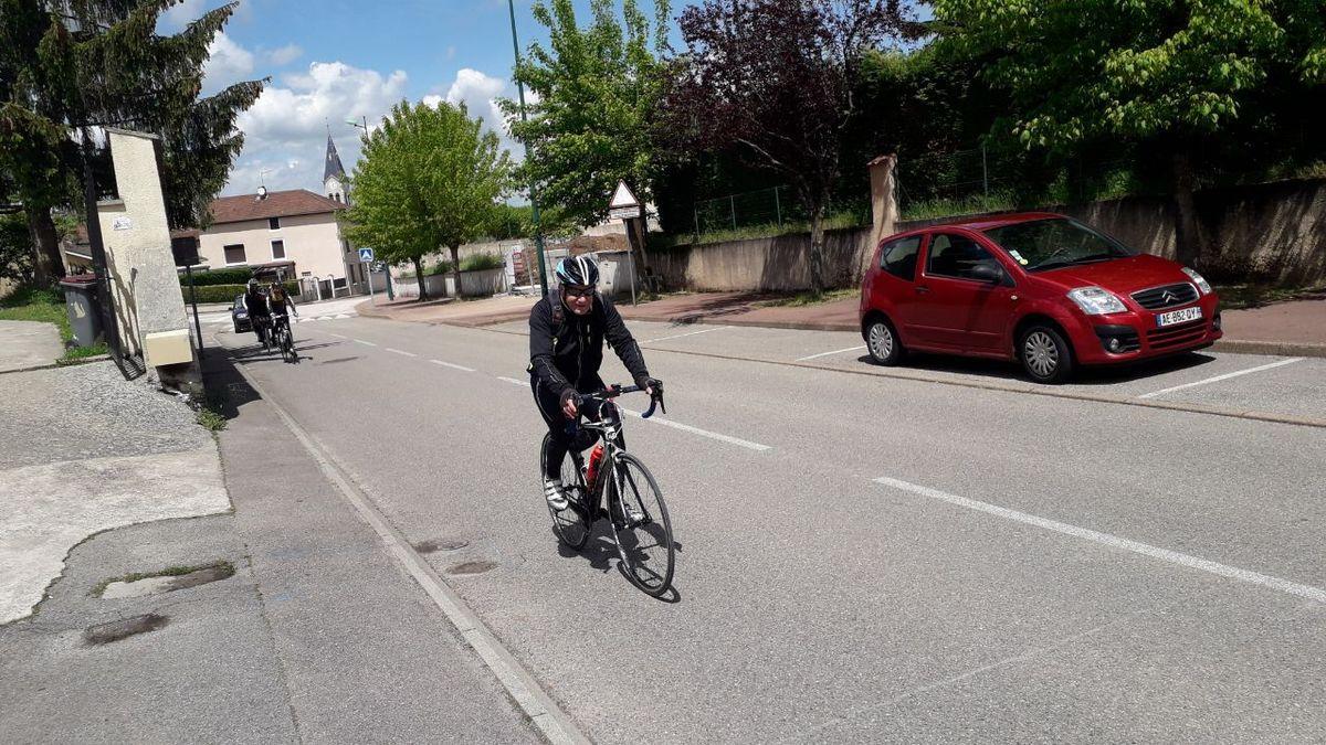 St Bonnet de Mure (69) --Promeneurs 1--  Vendredi 10 Mai