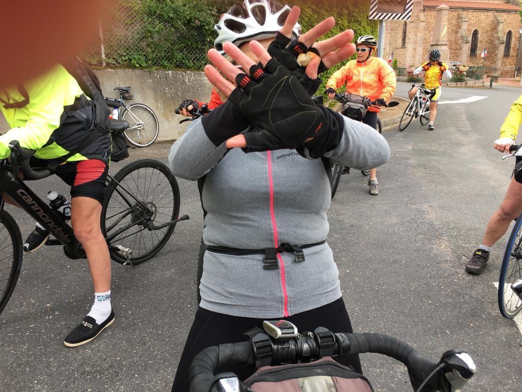 Le vélo rose incognito et les 2 inséparables