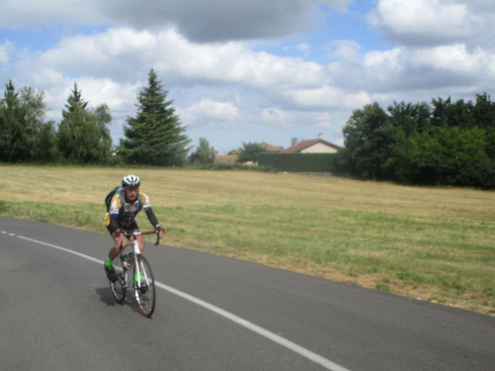 Marennes (69) -  Promeneurs 1 - Jeudi 16 Juillet 2020