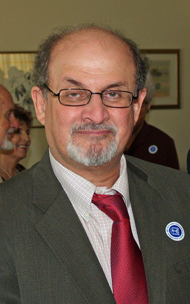 Salman Rushdie. Allez voir la page que lui consacre Wilipedia et vous verrez ce qu'il en coûte de s'attaquer à l'islam, religion de paix et de tolérance.