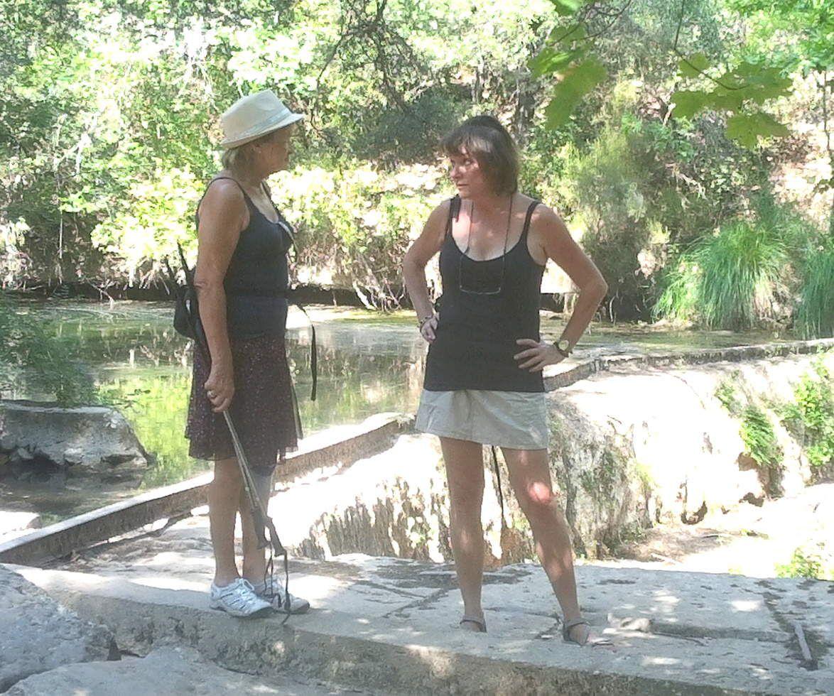 """Marie-Madeleine à gauche et notre amie du Plan, Nathalie, qui nous aidera beaucoup pour ce sacré """"plan des vaches (encore en 2020..)"""