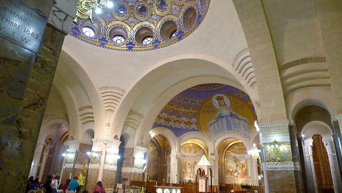 Intérieur de la Basilique : un petit air orthodoxe , il est vrai  !