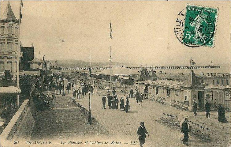 Les planches de Trouville au début du XXe siècle.
