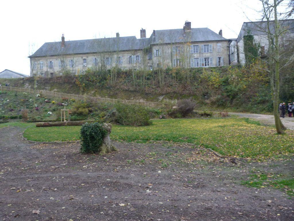 Album - la Glacerie de Saint-Gobain (Aisne), le 26 novembre 2016, plantation d'un arbre pour les 350 ans de la Manufacture Royale des Glaces de Saint-Gobain