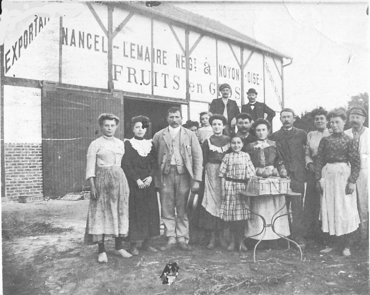 Album - la ville de Noyon (Oise), les commerçants commençant par la lettre N jusqu'a Z