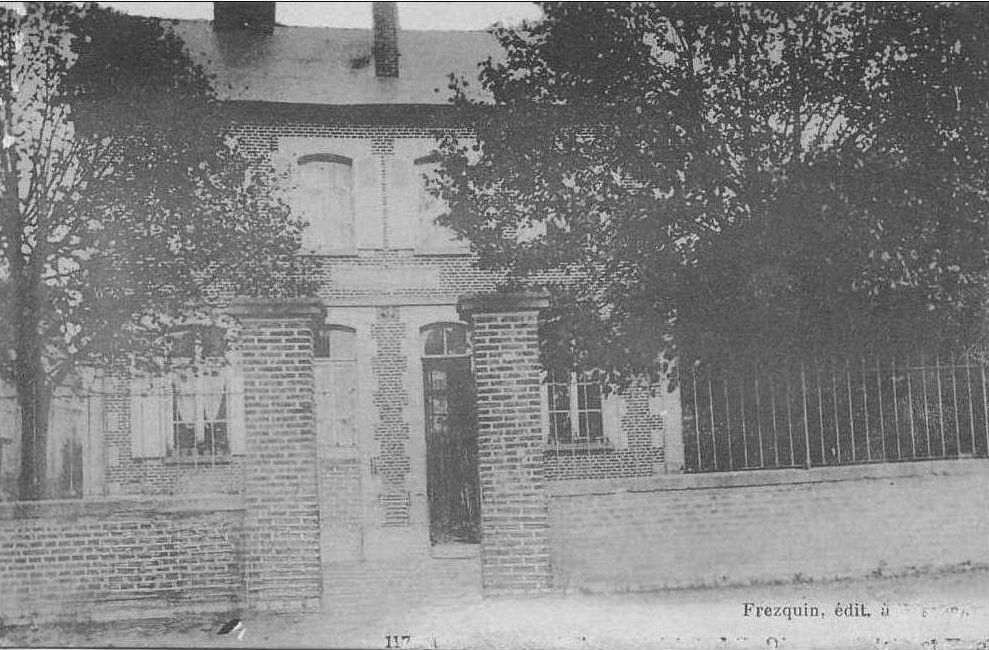 Album - le village de Ressons sur Matz (Oise), la gare, la poste, l'eglise, les écoles
