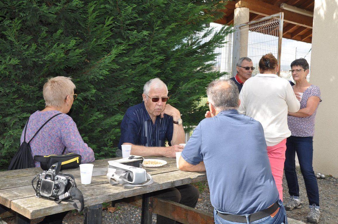 Album - centre progobain, réunion des anciens éléves le 14,15 et 16 septembre 2017 à Saint-Romain-le-Puy ( jour 3 )