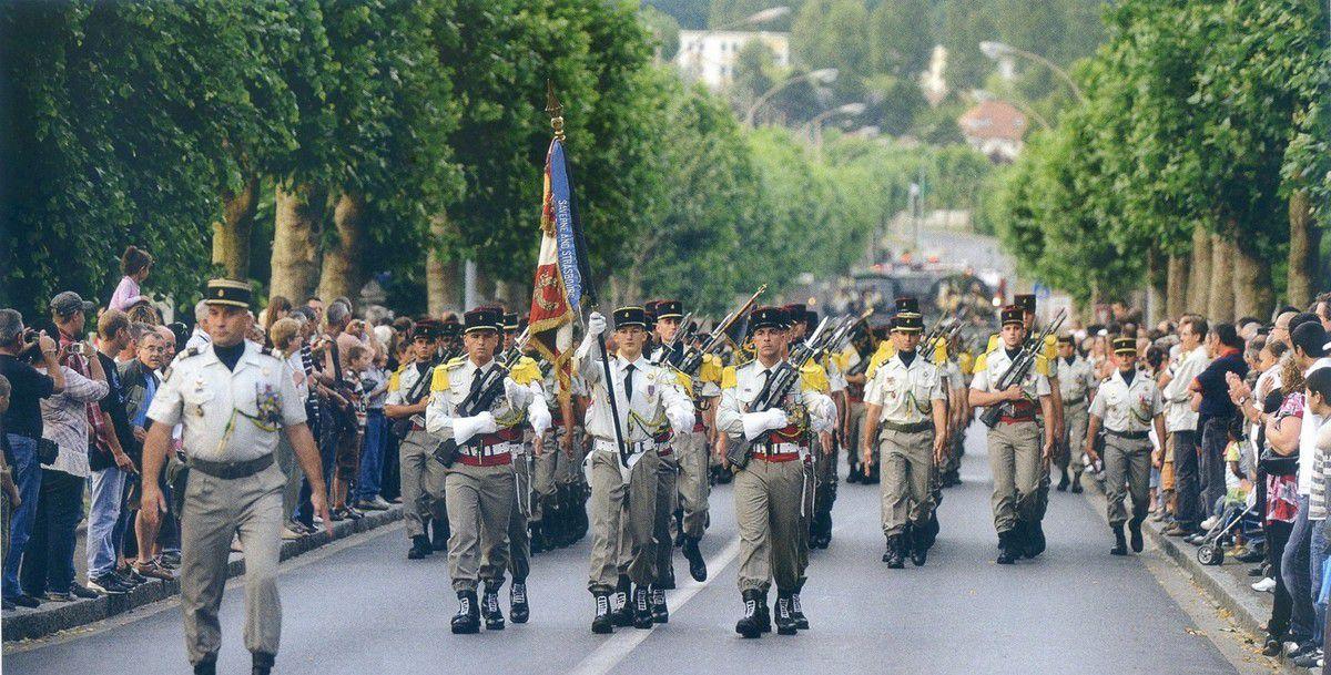 Album - la ville de Noyon (Oise), quartier Berniquet, le régiment du 16éme cuirassiers
