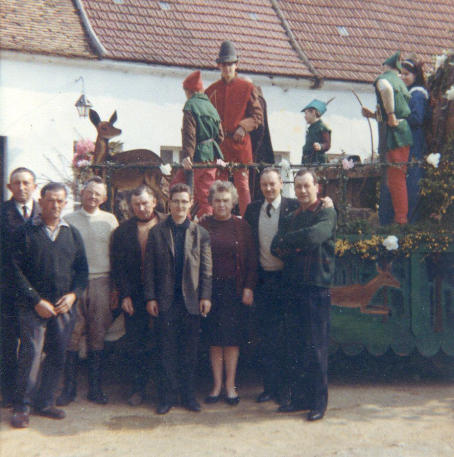 Album - le hameau de Tarlefesse, 1987, le bouquet provincial