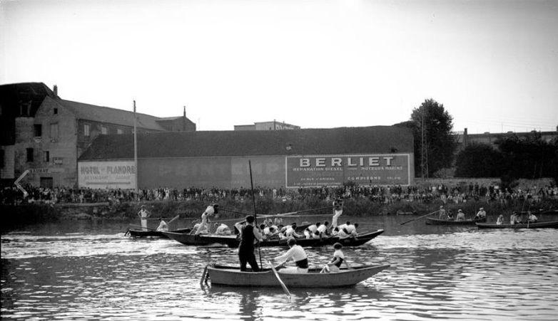 Album - la ville de Compiegne (Oise), les activités sportives, la piscine, le sport nautique, le football, le rudby