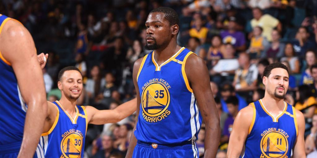 Kevin Durant, Stephen Curry, Klay Thompson, Draymond Green, Andre Iguodala, les Warriors font déjà peur