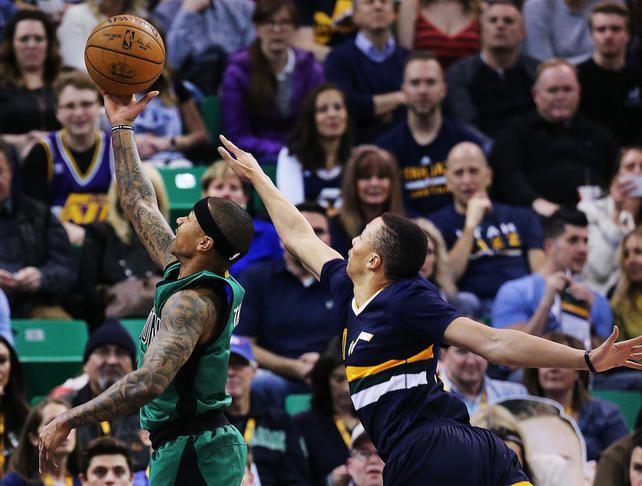 Le meneur All-Star des Celtics Isaiah Thomas a inscrit les 12 de ces 29 points dans le quatrième quart temps.