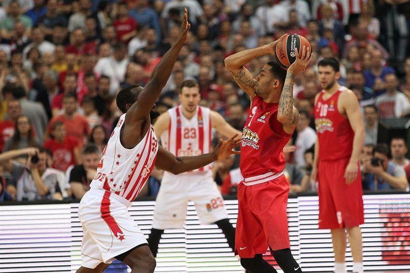 l'Etoile Rouge s'incline face à L'Olympiakos et devra patienter pour se qualifier