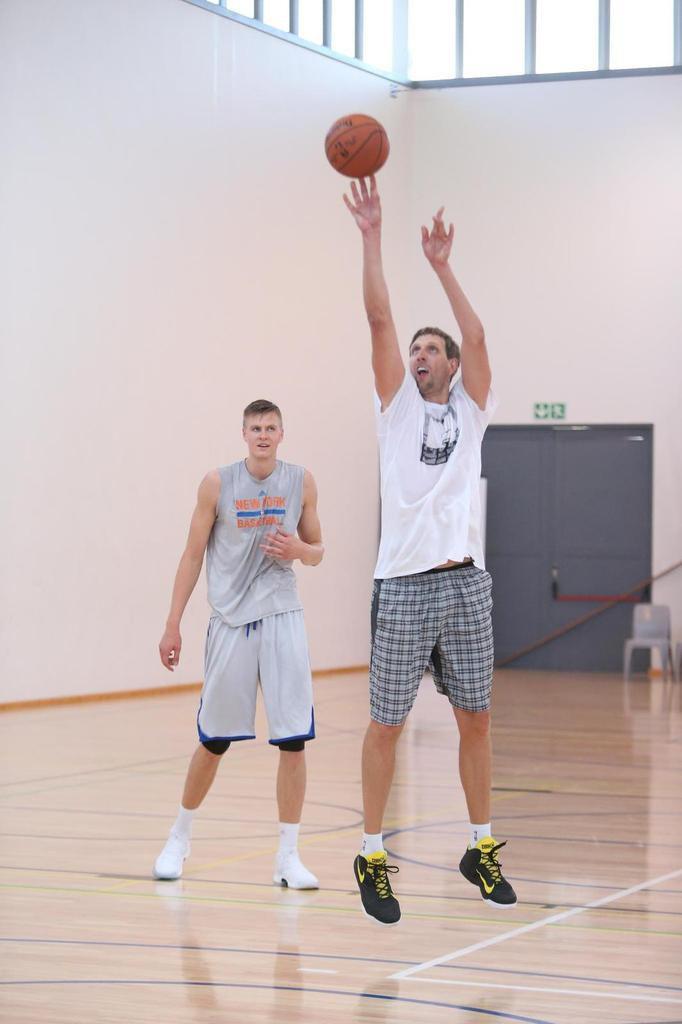 Dirk Nowitzki et Kristaps Porzingis ont enfin pu s'entraîner ensemble