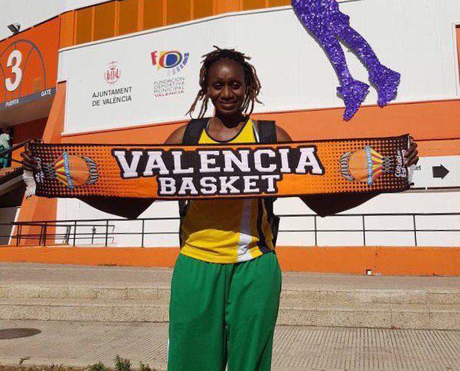 Liga Femenina 2 : la Malienne Meiya Tirera sous les couleurs de Valencia Basket