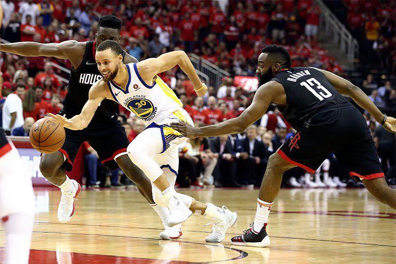 Les Warriors écoeurent Houston en seconde période et se qualifient en finales NBA pour la quatrième année consécutive