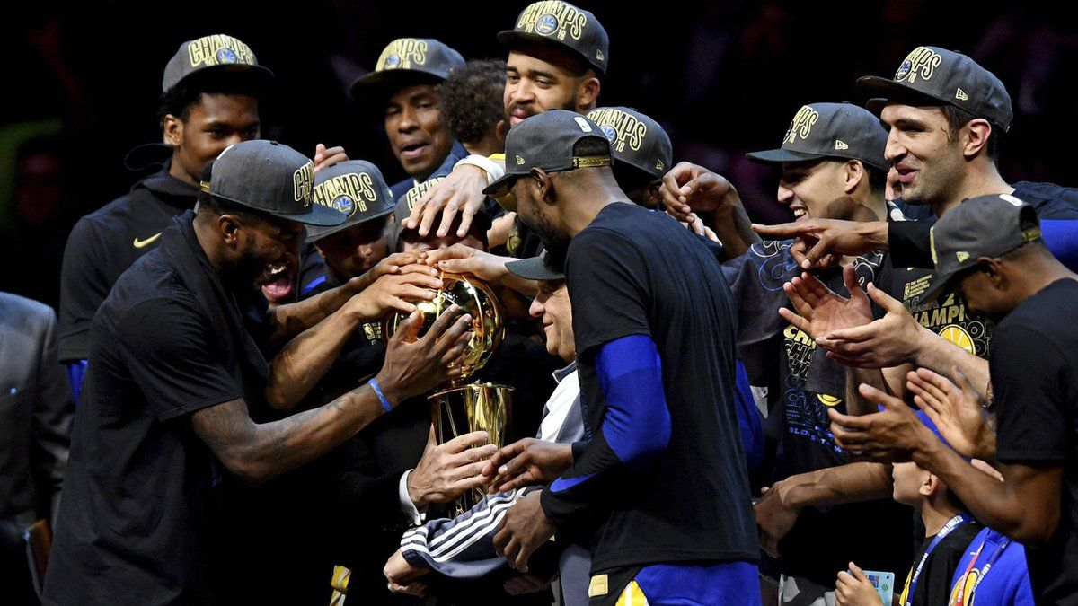 Golden State sacré champion NBA en humiliant Cleveland !