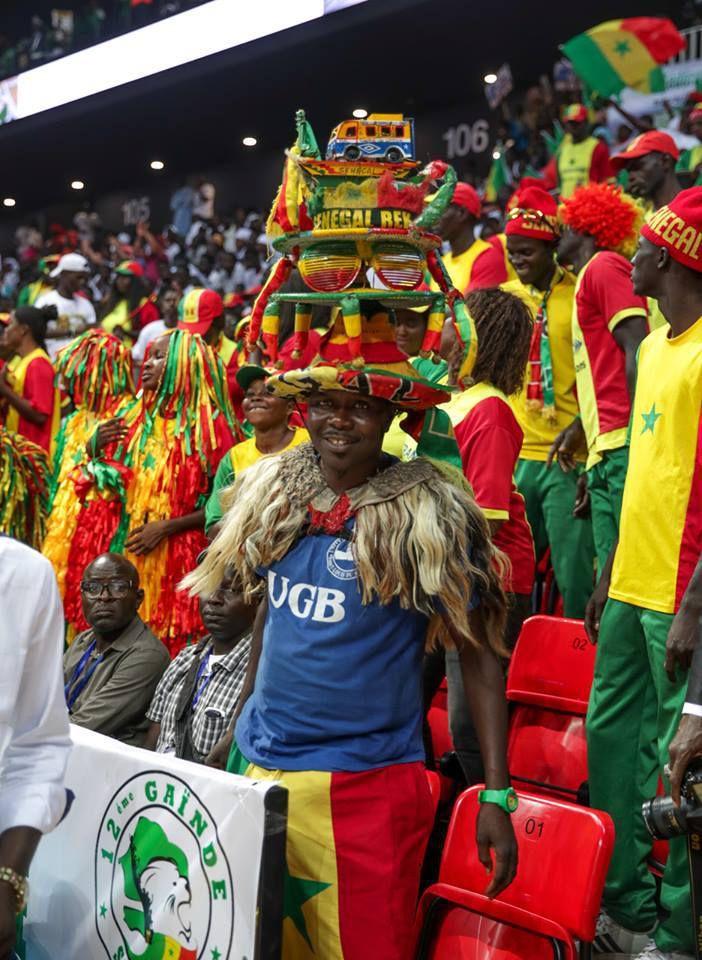 Le président du Sénégal 🇸🇳 Macky Sall a inauguré, ce mercredi, le Palais des Sports de Diamniadio, Dakar Arena. Une infrastructure de 15 000 places qui aura coûté près de 66 milliards de FCFA.  Hier, c'était l'effervescence dans ce nouveau temple du sport Sénégal voire africain.  Un monde aux couleurs nationales a envahi les lieux, dès les premières heures de l'après-midi comme le prouvent ces images du reporter de SENEGO, El Malick Seck.