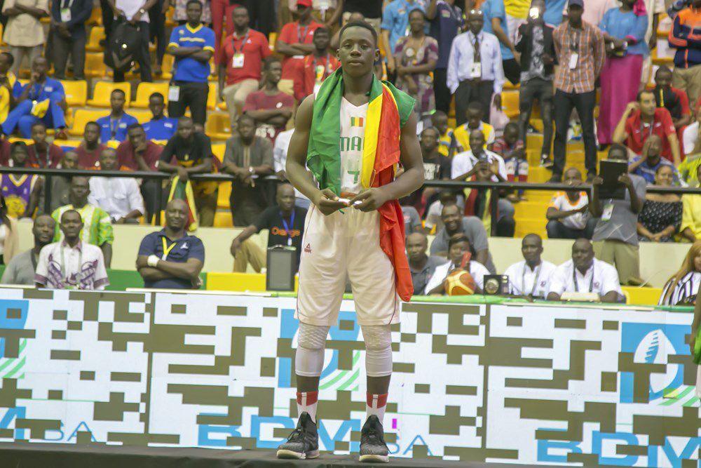 Le malien Siriman Kanoute a été élu MVP du tournoi à la surprise générale, devant le sénégalais Biram Faye qui aura été monstrueux depuis le début de la compétition. Une décision sans doute surprenante. Maigre consolation tout de même pour l'ailier d'Herbalife Gran Canaria, élu dans le cinq majeur du tournoi aux cotés des maliens Siriman Kanoute et Abdoul Karim Coulibaly, de l'angolais Selton Ricardo Fernandes Miguel et de l'égyptien Youssef Osama Elmadawy. Le congolais Pierre Kasereka a pour sa part été élu meilleur marqueur du tournoi.