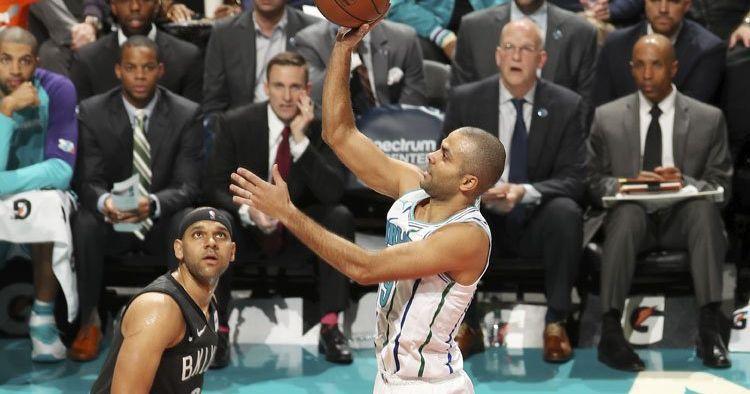 Tony Parker achève les Nets en inscrivant 17 points dans le quatrième quart-temps