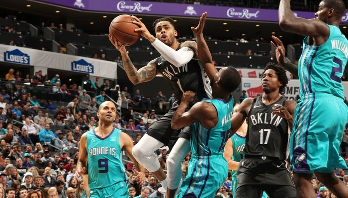 DeAngelo Russell s'occupe des Hornets