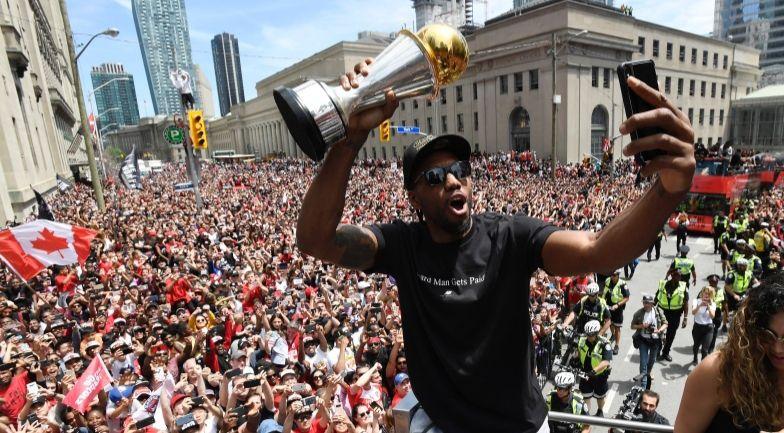 Kawhi Leonard va résilier son contrat mais devrait probablement rester à Toronto