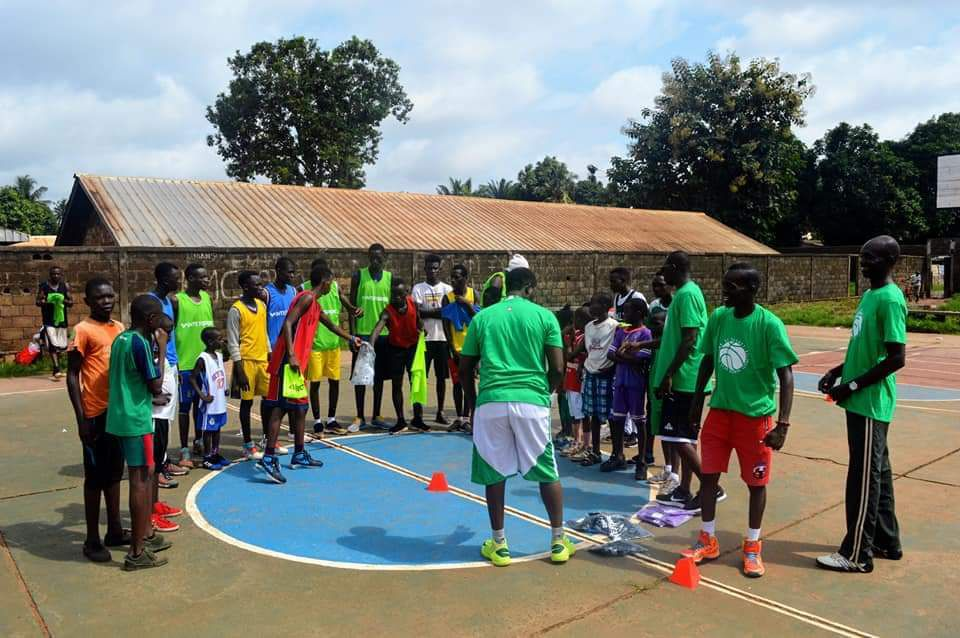 Source images : Carrefour Centro basketball