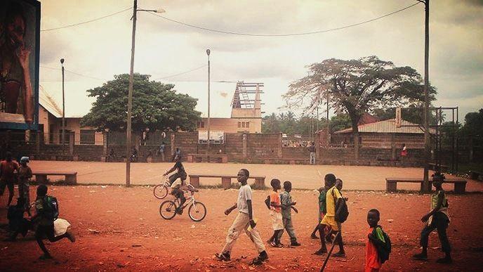 Le terrain mythique de l'école Koudoukou au quartier KM5 à Bangui en République Centrafricaine