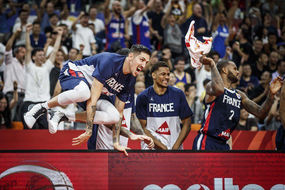 L'équipe de France réalise un exploit historique en éliminant les États-Unis en quart de finale