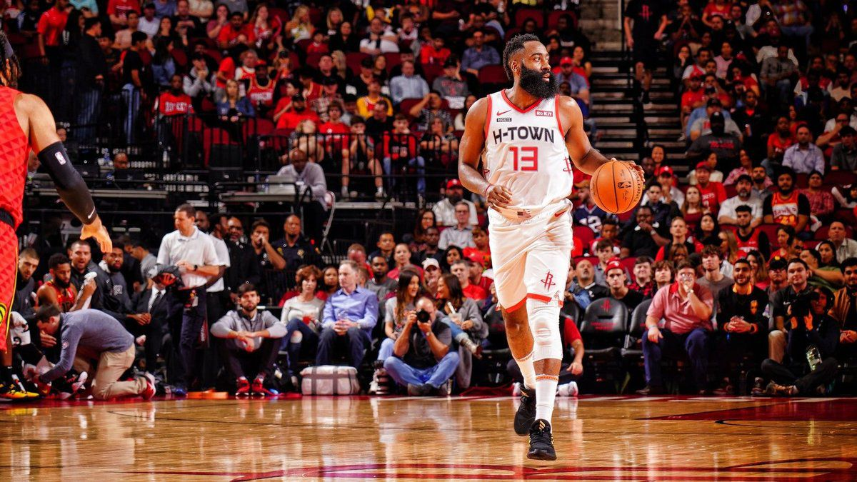 James Harden a été immense en inscrivant 60 points pour Houston qui a écrasé Atlanta (158-111). Le barbu a signé le record de la saison.