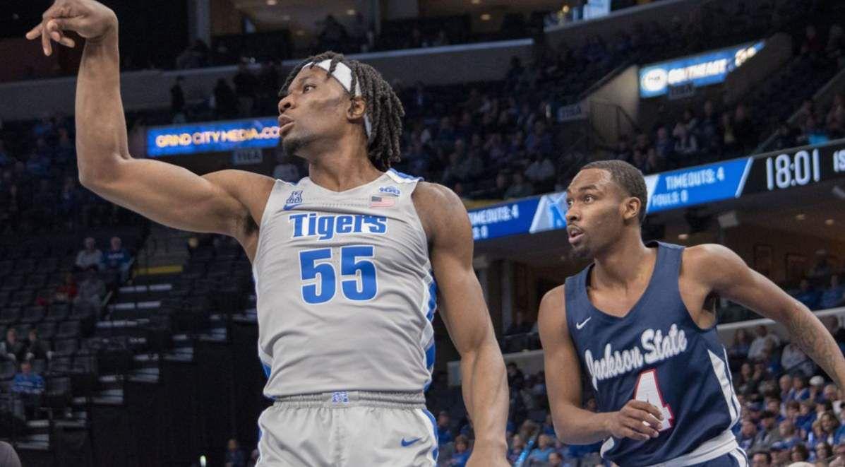 NCAA : le Freshman Precious Achiuwa porte les Tigers de Memphis avec 20 points et 9 rebonds