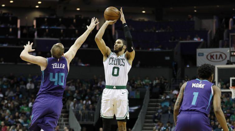 Les Celtics sweepent Charlotte, les Sixers s'enfoncent à Indianapolis, les Clippers dominent Sacramento