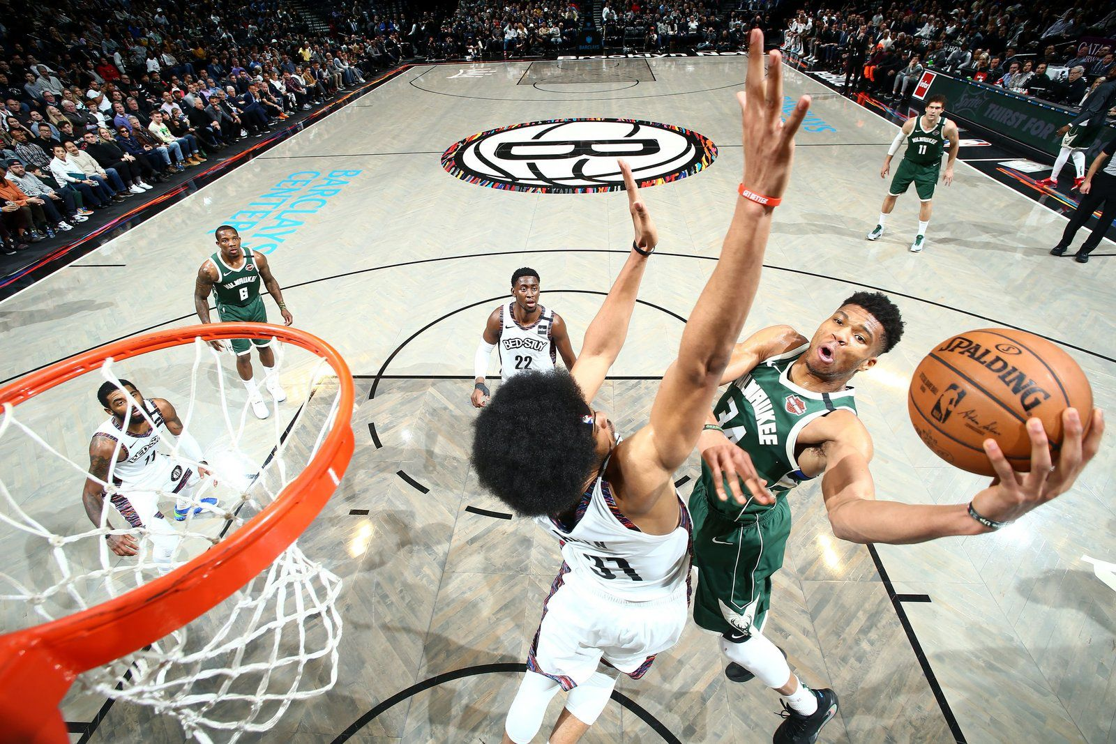 Les Bucks déroulent au Barclays Center